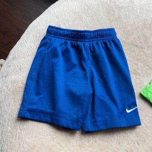 Nike boys basketball shorts 2T